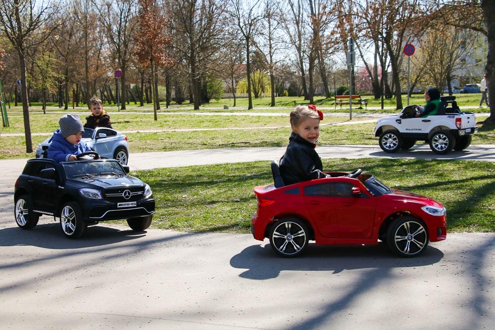 Önállóságra nevelés biztonságosan, avagy Játékos feladatok elektromos kisautókkal